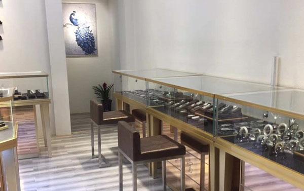 不锈钢珠宝展示柜价格获取渠道,您是这样了解的吗?